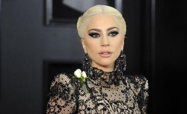 Poptähti Lady Gaga näyttelee pääosaa näyttelijä Bradley Cooperin ohjaamassa A Star Is Born -elokuvassa.