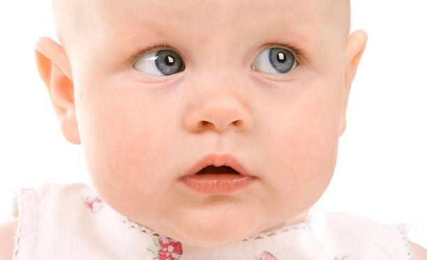 Vauvoille voi nykyään hankkia hiukset etukäteen netistä.