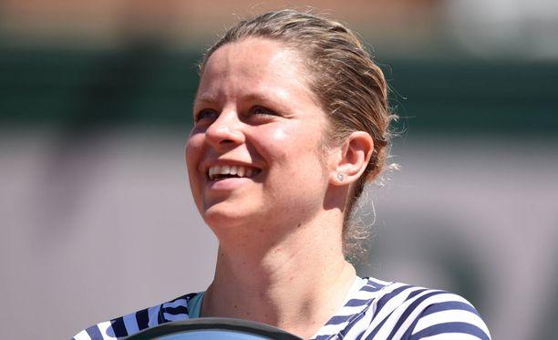 Kim Clijsters järjesti hauskan show'n Wimbledonissa.