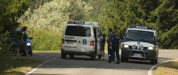 Poliisi ei uskaltanut ottaa ulkona käynyttä miestä kiinni.