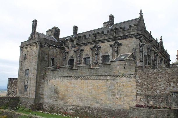 Pidä hallussasi Stirlingiä, hallitset Skotlantia, kuuluu sanonta. Stirlingin linna on strategisesti merkittävässä paikassa Ylämaiden ja Alamaiden puristuksissa.