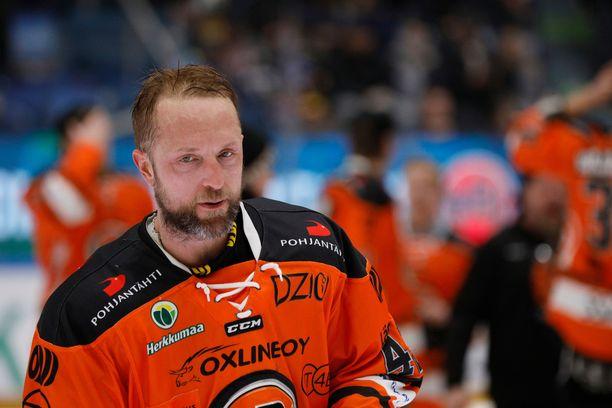 Arto Laatikainen on Liigan pudotuspelihistorian eniten pisteitä tehnyt puolustaja.