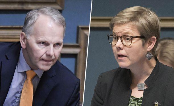 Ministerit Leppä (kesk) ja Mikkonen (vihr) ovat eri linjoilla saimaannorpan suojelussa.
