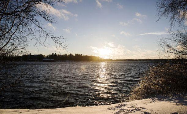 Auringonvalosta pääsee nauttimaan yhä enemmän, kun päivä pitenee.
