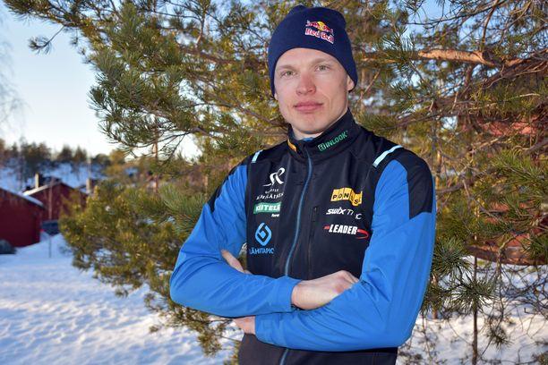 Iivo Niskanen oli kauden 2018–19 paras suomalaishiihtäjä.