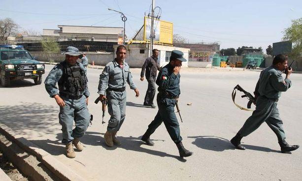 Poliisilla on kädet täynnä töitä, kun Kabulissa hyökättiin seitsemään eri paikkaan.