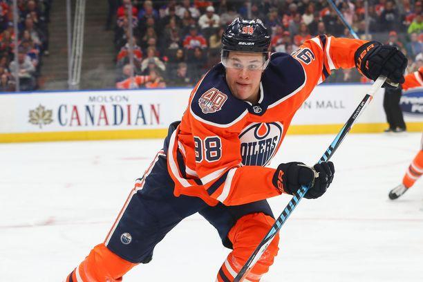 Jesse Puljujärvi ei ole onnistunut lyömään itseään läpi vakiomieheksi Edmonton Oilersin kärkiketjuihin.