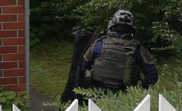 Poliisilla oli sunnuntaina suuri operaatio Vantaan Hakunilassa.