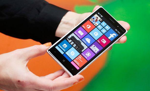 Juuri julkaistu Lumia 830 jäänee viimeiseksi Nokian nimeä kantavaksi puhelimeksi.