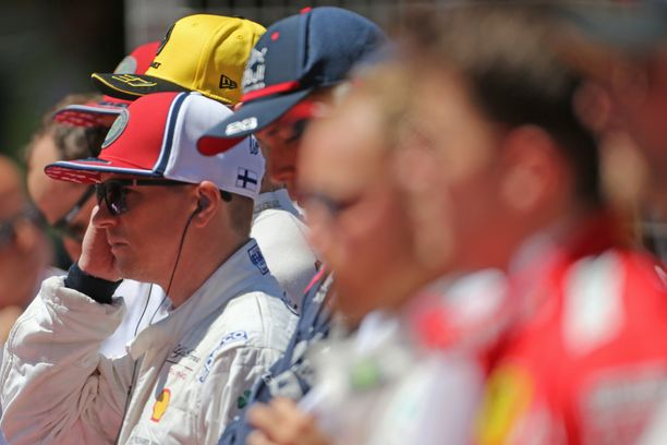 Kimi Räikkönen jaksaa painaa, vaikka ikää on jo 39 vuotta.