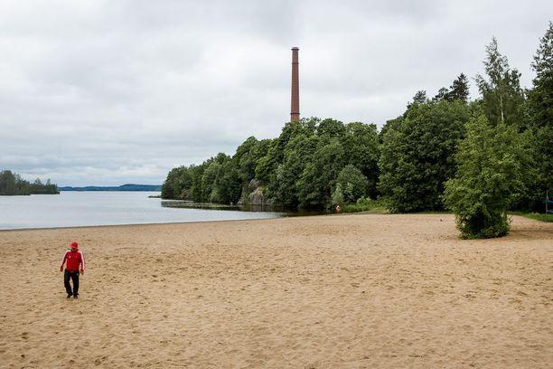 Perjantaina Nuorgamissa päivän ylin lämpötila oli vain 4,1 astetta. Tavallisesti pohjoisessakin päivän ylimmät lämpötilat yltävät tähän aikaan vuodesta noin 13 asteeseen. Kuva arkistokuva Tampereen Pyynikin uimarannalta.