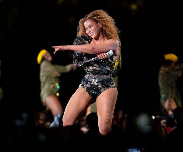 Aluksi uutisoitiin, että kirkon olisi ostanut itselleen laulaja Beyoncé.