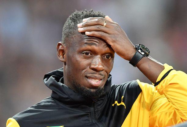 Usain Bolt poistui areenalta, Jamaikan miesten pikajuoksumahti tyrehtyi.