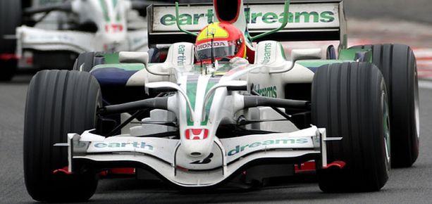 Rubens Barrichellolla on omasta mielestään vielä annettavaa F1-sarjalle.