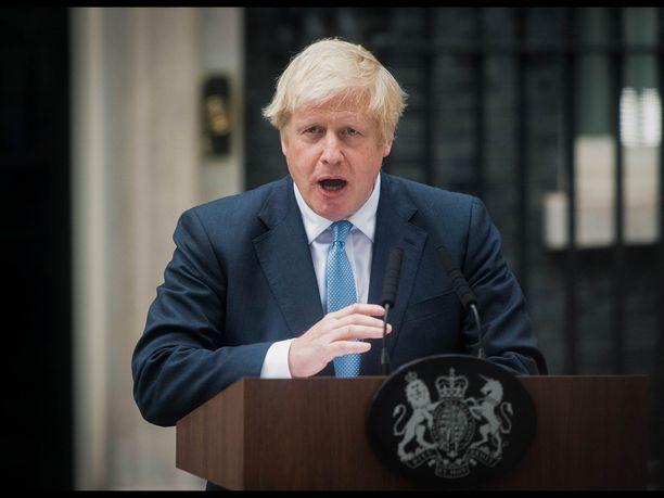 Pääministeri Boris Johnson kommentoi maan kireää brexit-tilannetta maanantai-iltana pitämässään puheessa.
