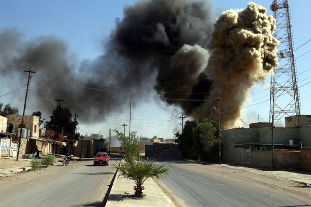 Lokakuun puolivälissä Irakin asevoimien rinnalla taistelevat militiaryhmät ja kurdien peshmergajoukot ottivat yhteen Kirkukissa.