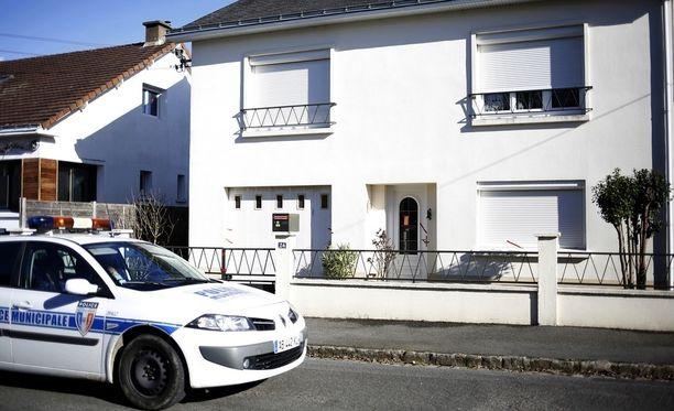 Troadecin nelihenkinen perhe murhattiin raa'asti kotonaan Länsi-Ranskan Nantesissa.