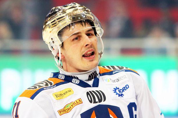 Kristian Kuusela on aiemmin toiminut Tapparan kapteenina ja kantanut joukkueen Kultaista kypärää.