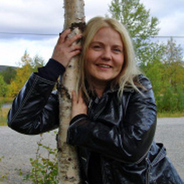 Nuorisotyöntekijä Hanna-Kaisa Lähde on pohtinut paljon syrjäytymistä ja syrjäytymismekanismeja.