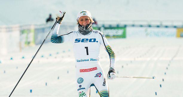 Frida Karlsson sanoo, ettei hänellä ole paineita MM-kisoissa.