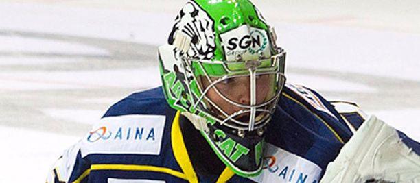 Iiro Tarkki otti 44 koppia liki viiden erän ottelussa.