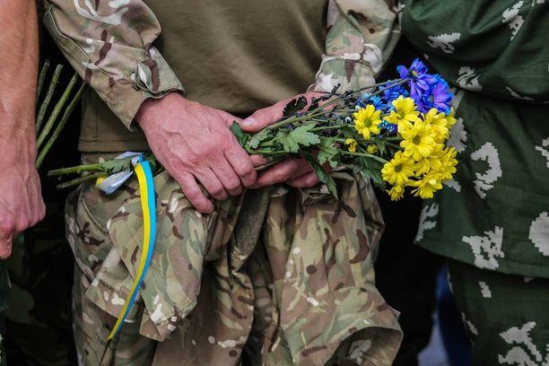 Ukrainalaissotilaan hautajaiset kesäkuussa 2016.