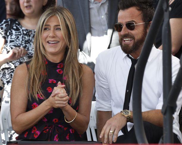 Aniston ja Theroux heinäkuussa 2017.