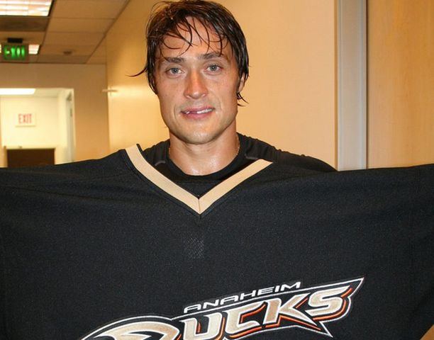 Milloin Teemu Selänne pukee Ducks-paidan ylleen?