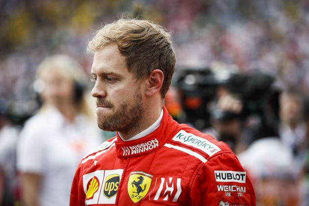 Sebastian Vettel hävisi MM-taiston Lewis Hamiltonille.