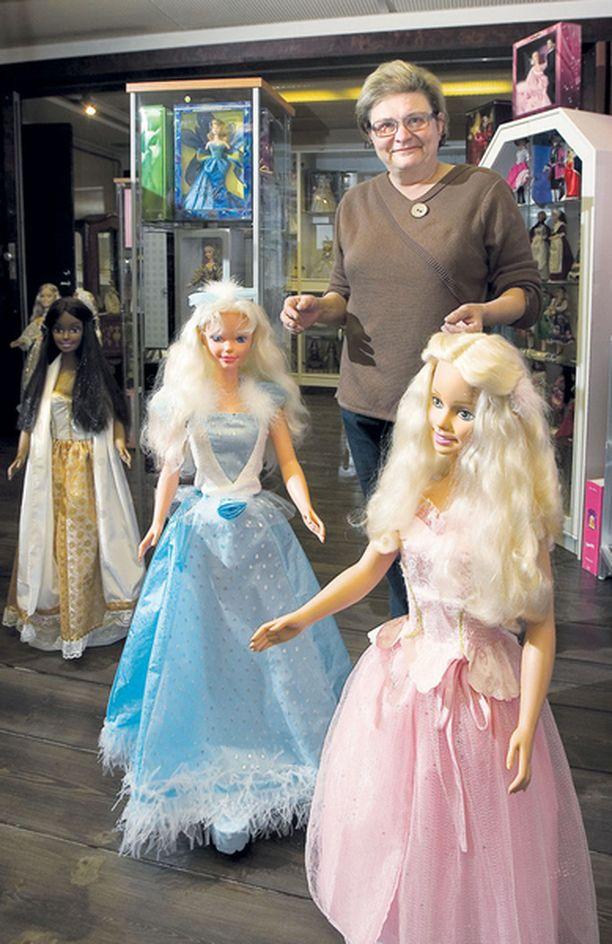 Ursula Kähärin unelmana on kasvattaa kokoelmaansa 2 000 nukkeen vuoteen 2009 mennessä.