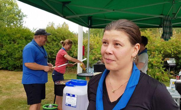 Pyhärannan Korpiankkurien ohjelmajohtaja Kaisa Räsänen sanoo, että pelastajien hymy on paras kiitos partiolaisten avusta.