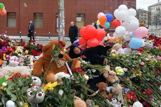 Venäjän presidentti Vladimir Putin saapui tiistaina Kemerovoon.