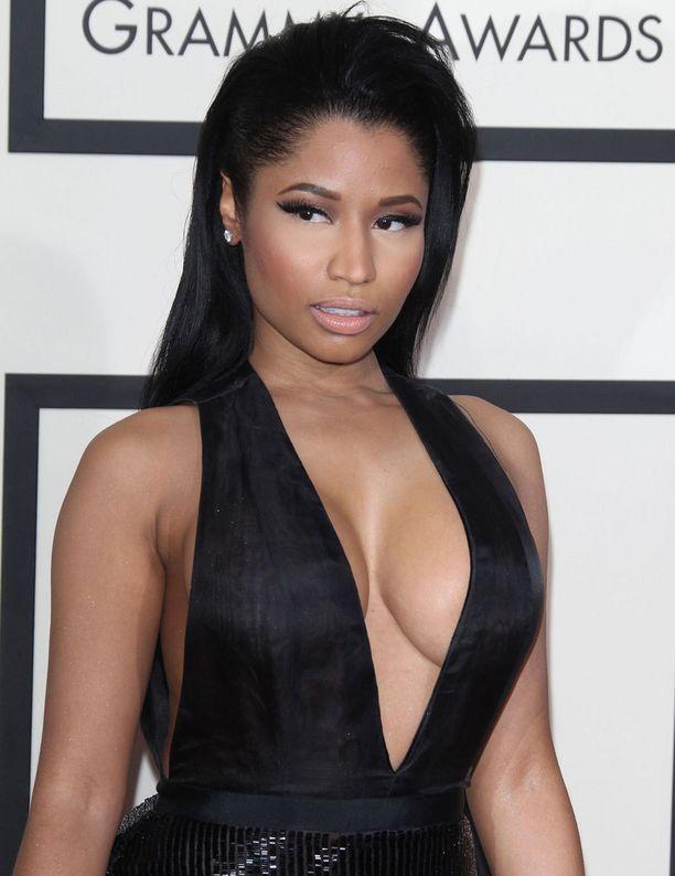 Uhkeita muotojaan mielellään esittelevä Nicki Minaj on paitsi teräväkielinen räppäri, myös rohkea pukeutuja.