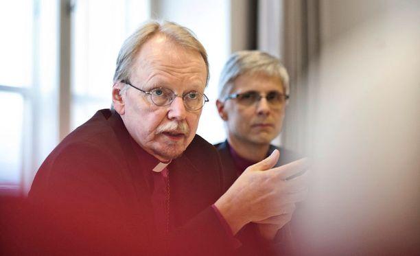 Kari Mäkinen pitää kirkon erolukuja murheellisena.