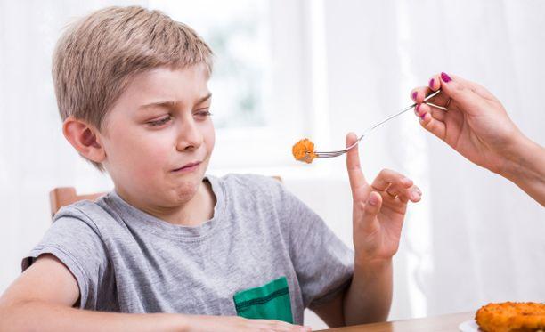 Jos lapsi syö heikosti kalaa, hänen ruokavaliotaan voi täydentää yhdellä päivittäisellä geelitabletilla.