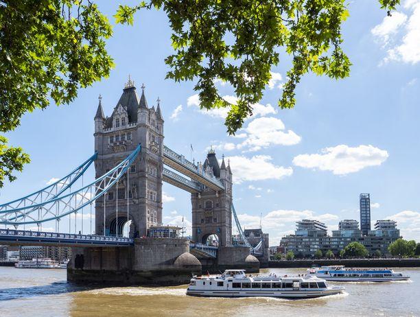 Lontooseen on tarjolla erilaisia virtuaalimatkoja. Suomalaisoppaan johdolla voi tutustua esimerkiksi Viktorian ajan tai elokuvien Lontooseen.