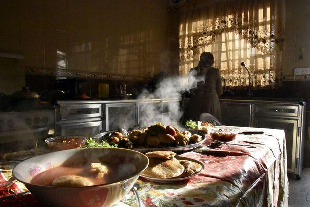 Perheet yrittävät saada elämänsä takaisin järjestykseen vapautetussa Itä-Mosulissa.