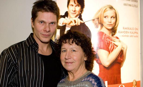 Kari-Pekka Toivonen ja Kristiina Elstelä Sooloilua-elokuvan lehdistönäytöksessä vuonna 2007. Elstelä voitti samana vuonna elokuvasta parhaan naissivuosan Jussi-palkinnon.