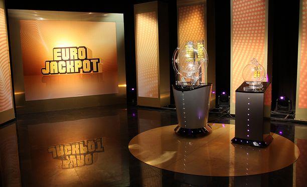 Eurojackpotissa tuli Suomeen yksi täysosuma perjantaina.