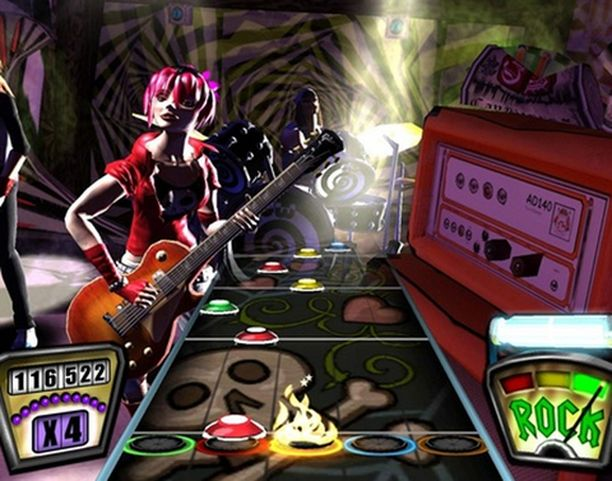 Pelin tarkoituksena on näppäillä oikean värisiä kitaran nappuloita musiikin tahdissa.
