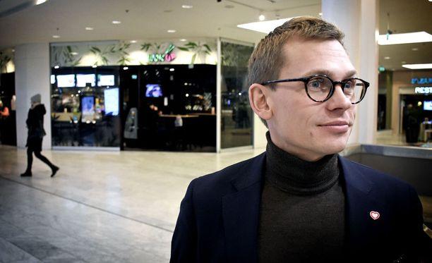 SDP:n tuore puoluesihteeri Antton Rönnholm.