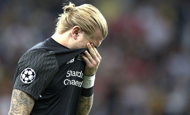 Loris Karius poistui Kiovan stadionilta kyyneleet silmissä.