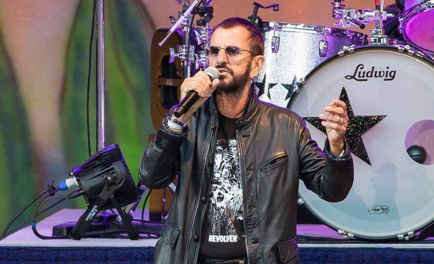 Ringo Starr on All Starr -yhtyeineen esiintynyt aiemmin Suomessa kahdesti: Pori Jazzeilla vuonna 1992 ja Helsingin jäähallissa vuonna 1998. Kuva on Starrin Hampurin-keikalta 11. kesäkuuta.