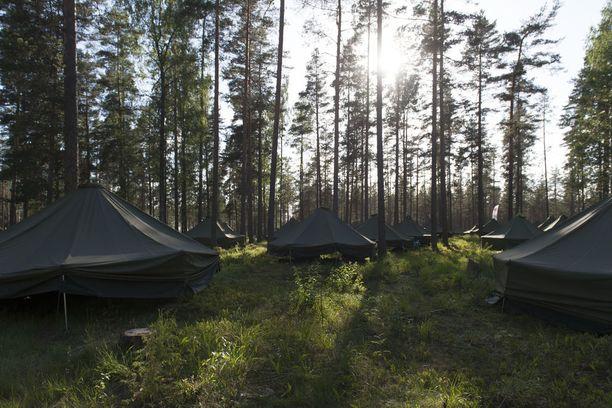 Jukolan viestissä Hollolassa on 395 puolijoukkueteltan kylä.