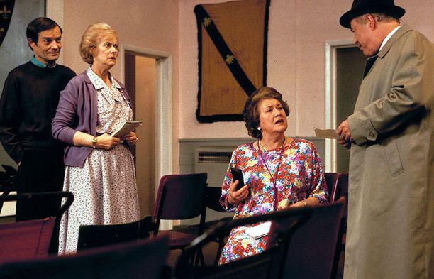 Viimeisessä jaksossa Hyacinth antaa Richardille tarkat neuvot sen suhteen, kuinka Onslow'n kanssa tulee toimia.