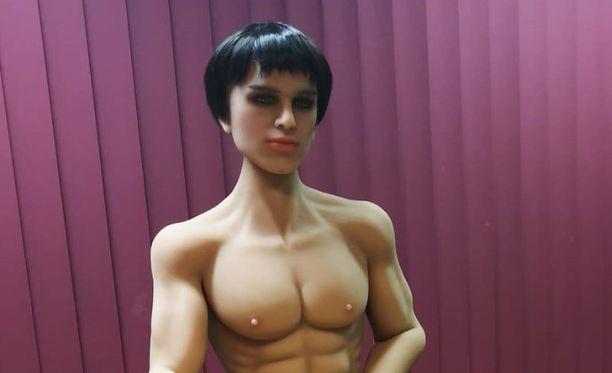 Romeo-nukella on hyvin erottuvat lihakset.