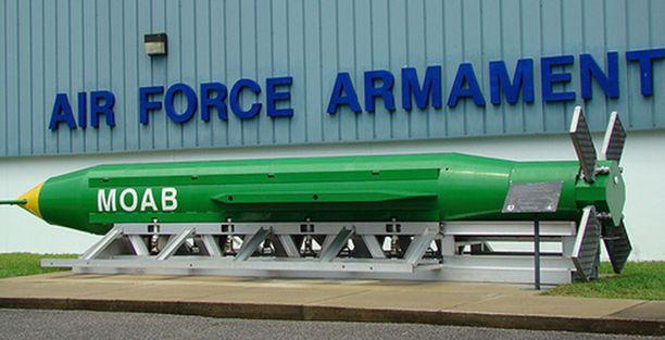 Pommin perässä on neljä ohjaussiivekettä.