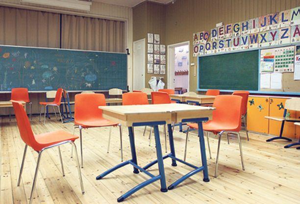 Väliaikaista Kouluja tai varuskuntia sulkemalla voidaan vaikuttaa epidemia-aaltoon. Koulujen alkua ei aiota kuitenkaan siirtää.