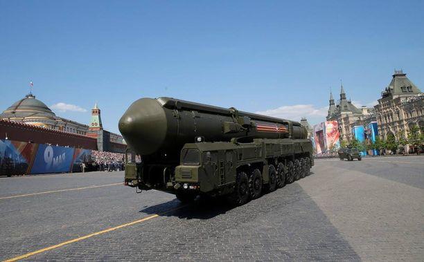 RS-24-ohjukset ovat niin sanottuja monikärkiohjuksia, joiden kantama on useita tuhansia kilometrejä.