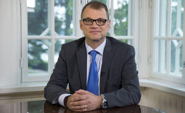Pääministeri Juha Sipilä (kesk) vetosi suoraan kansaan TV-puheessaan kaksi viikkoa sitten.
